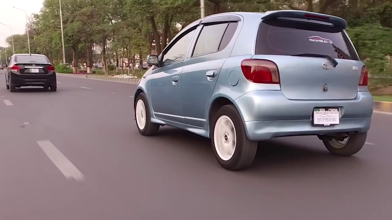 Toyota Vitz 2001 Owners Review Price Specs And Features